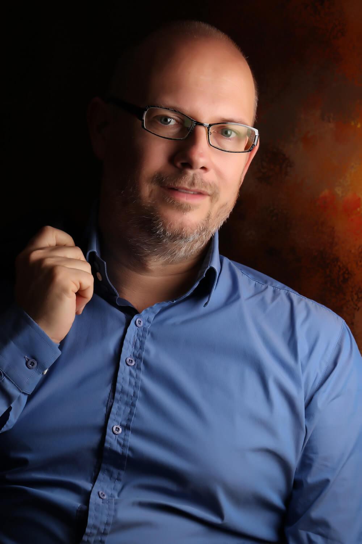 izr. prof. dr. Gregor Žvelc, spec. klin. psih.